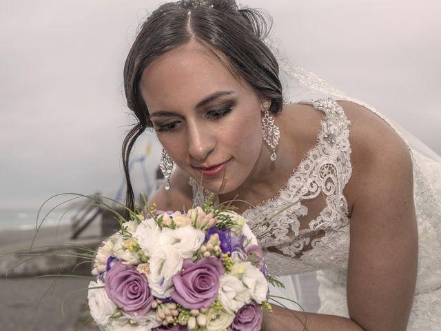 La boda de Dina y Aaron en La Linea De La Concepcion, Cádiz 24