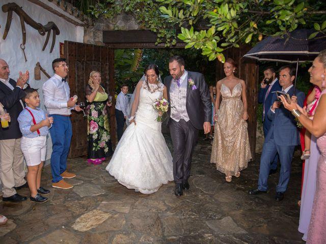La boda de Dina y Aaron en La Linea De La Concepcion, Cádiz 33