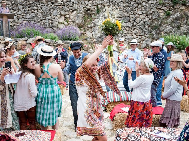 La boda de David y Honesty en Mont-ral, Tarragona 20