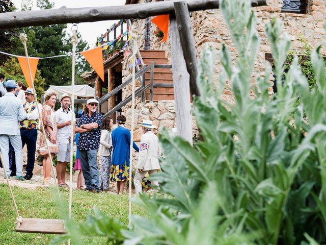 La boda de David y Honesty en Mont-ral, Tarragona 25