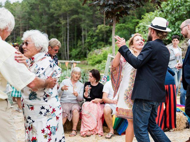La boda de David y Honesty en Mont-ral, Tarragona 37