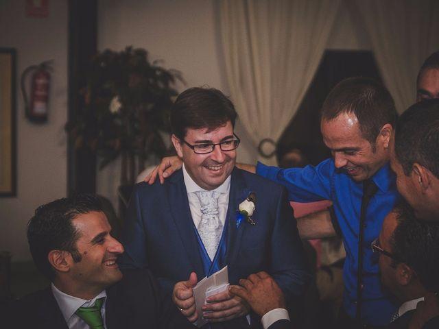 La boda de Antonio y Juani en Huelva, Huelva 13