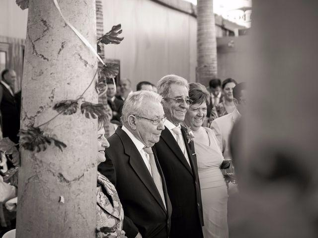 La boda de Antonio y Juani en Huelva, Huelva 32