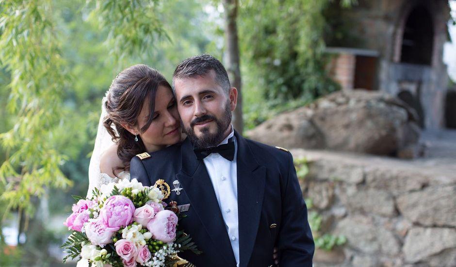 La boda de José Ángel  y Almudena en Navaluenga, Ávila