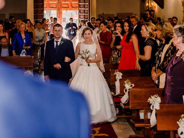La boda de Aure y Patricia en Torrejon Del Rey, Guadalajara 13