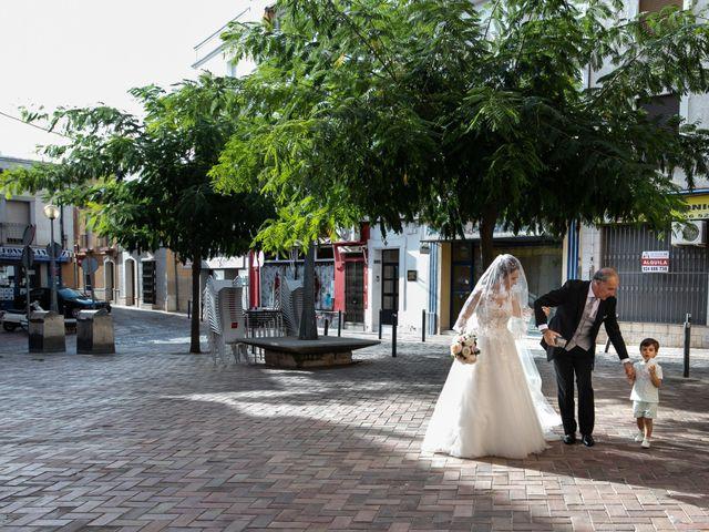 La boda de Antonio y Fátima en Almendralejo, Badajoz 28