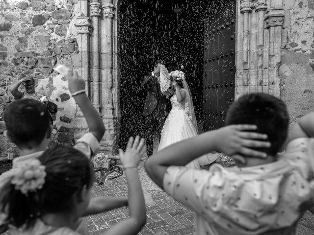 La boda de Antonio y Fátima en Almendralejo, Badajoz 43