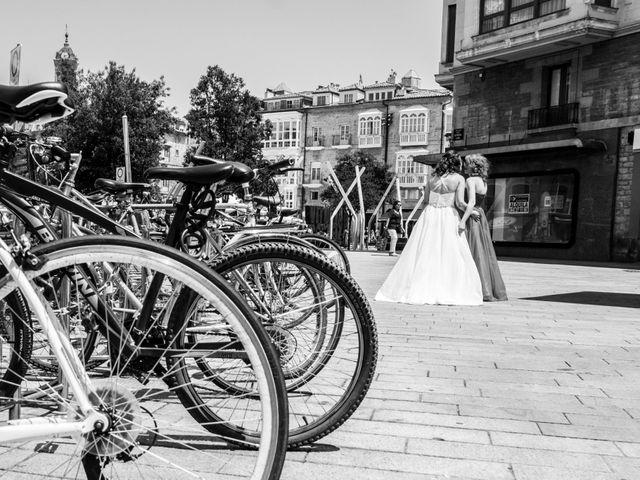 La boda de Ziortza y Irene en Vitoria-gasteiz, Álava 44