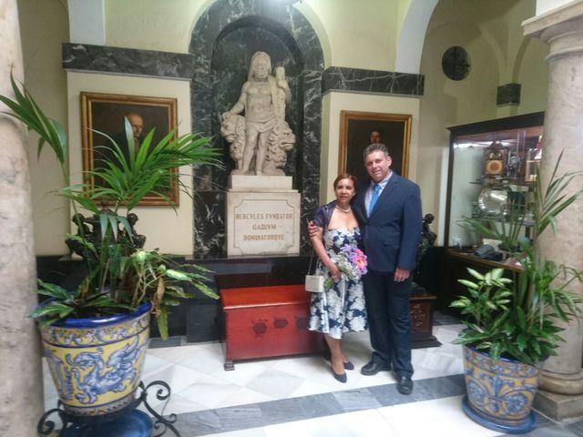 La boda de mercedes victoria y antonio en Cádiz, Cádiz 5