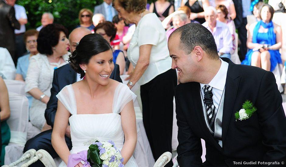 La boda de Roberto y Mari Carmen en Valdastillas, Cáceres