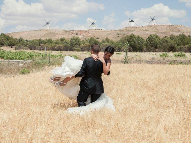 La boda de David y Yamila en Tomelloso, Ciudad Real 10