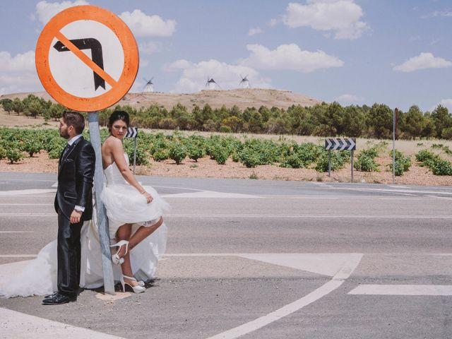 La boda de David y Yamila en Tomelloso, Ciudad Real 11