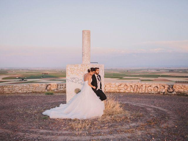 La boda de David y Yamila en Tomelloso, Ciudad Real 22