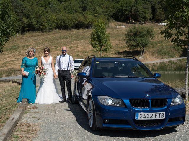 La boda de Arturo y Lorena en Beraiz, Navarra 15