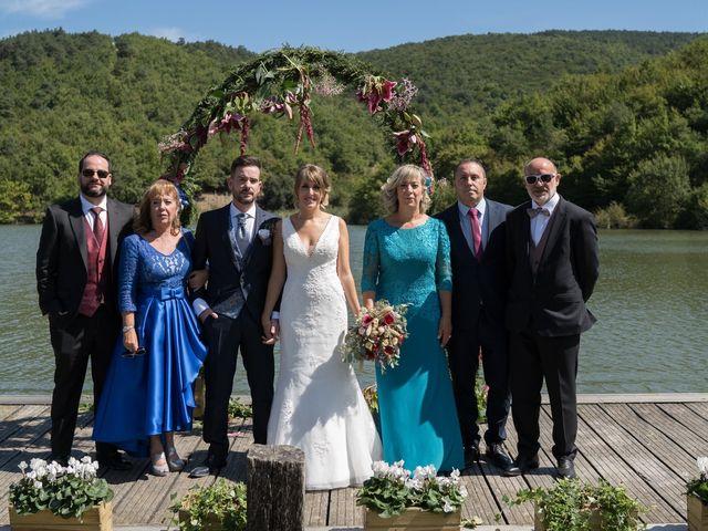 La boda de Arturo y Lorena en Beraiz, Navarra 17