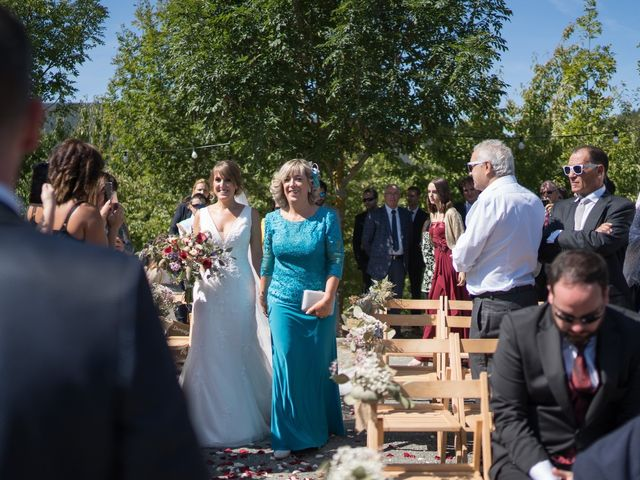 La boda de Arturo y Lorena en Beraiz, Navarra 19