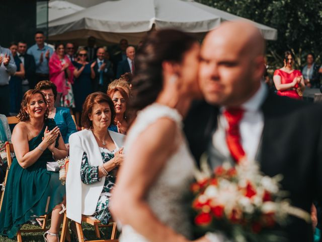 La boda de Oscar y Noa en Raxó (Poio), Pontevedra 20