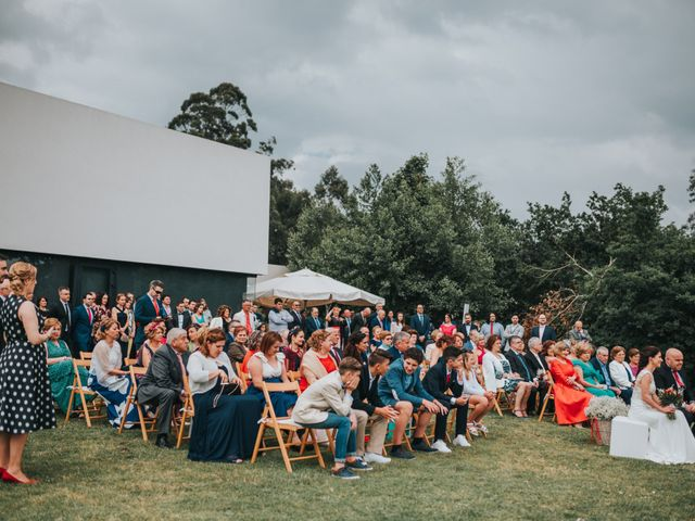 La boda de Oscar y Noa en Raxó (Poio), Pontevedra 21