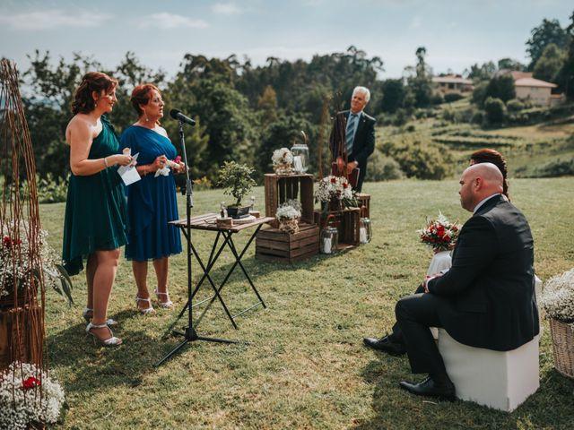 La boda de Oscar y Noa en Raxó (Poio), Pontevedra 23