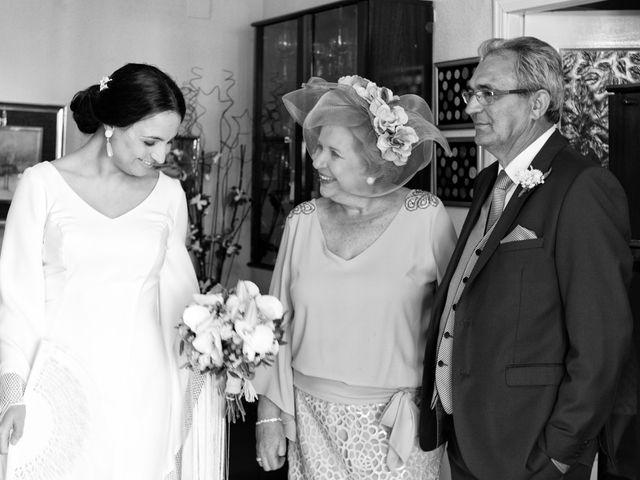 La boda de MªAngeles y Manuel en Mairena Del Alcor, Sevilla 26