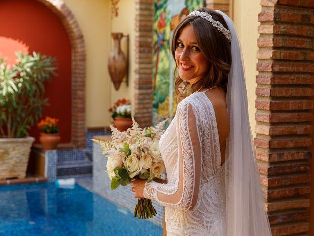 La boda de Juan y Virginia en Fuente Vaqueros, Granada 24