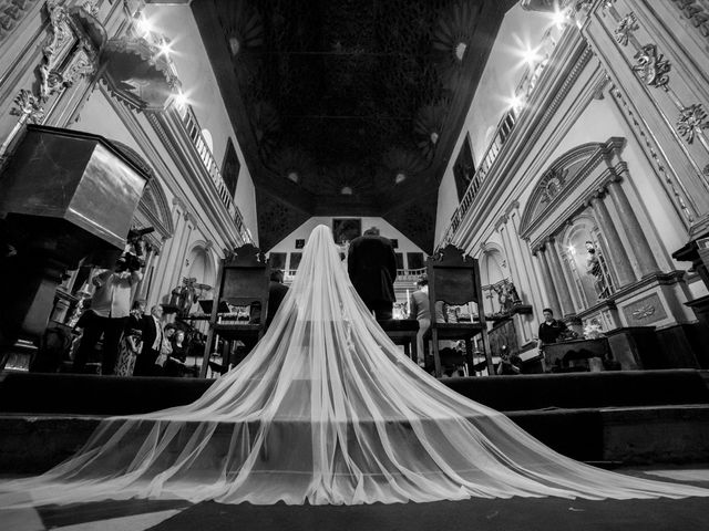 La boda de Juan y Virginia en Fuente Vaqueros, Granada 54