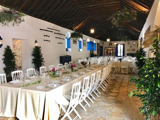 La boda de Carlos y Carolina en Sevilla, Sevilla 3