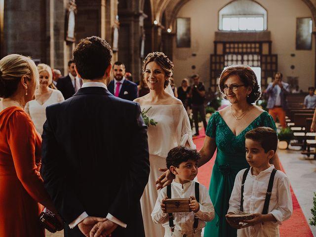 La boda de Samuel y Raquel en Santiago De Compostela, A Coruña 18