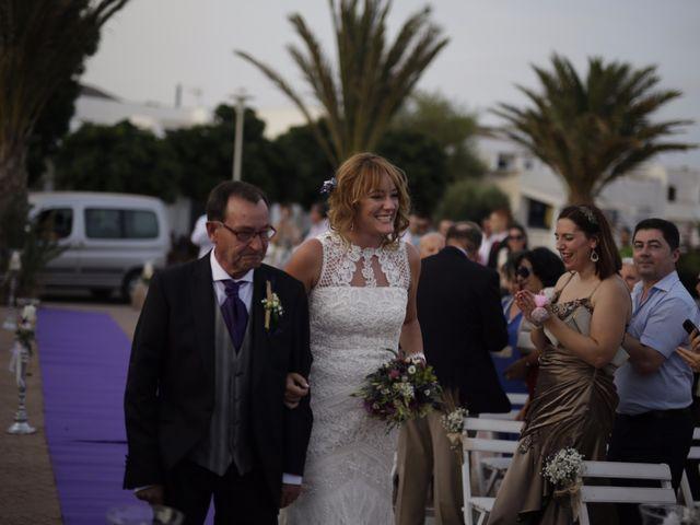 La boda de Pedro y Isabel en La Isleta, Almería 1