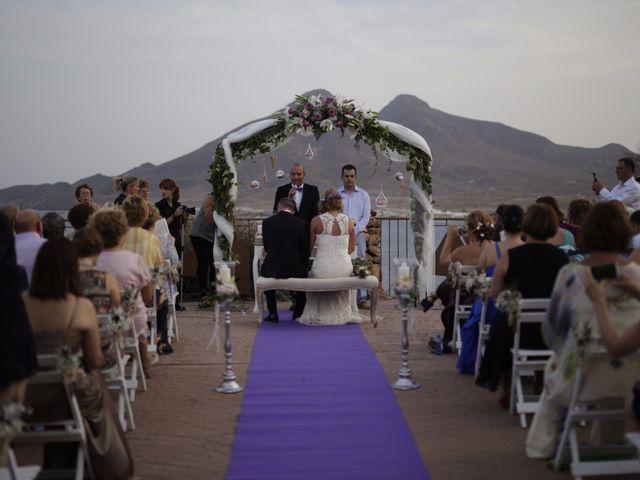 La boda de Pedro y Isabel en La Isleta, Almería 2