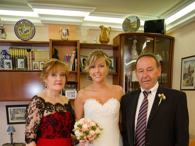La boda de Abilio y María en Autillo De Campos, Palencia 15