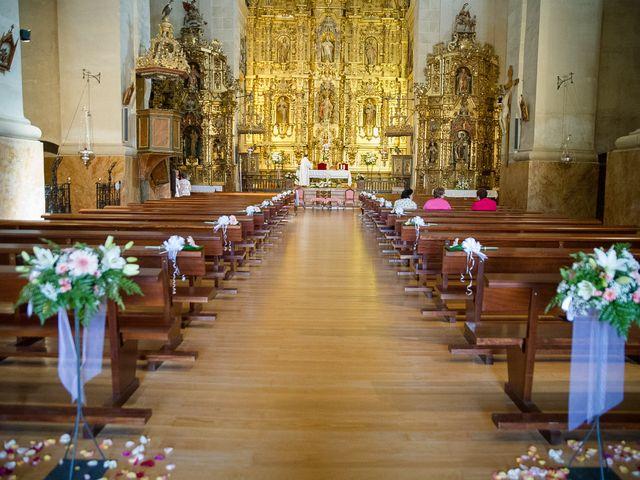 La boda de Abilio y María en Autillo De Campos, Palencia 23