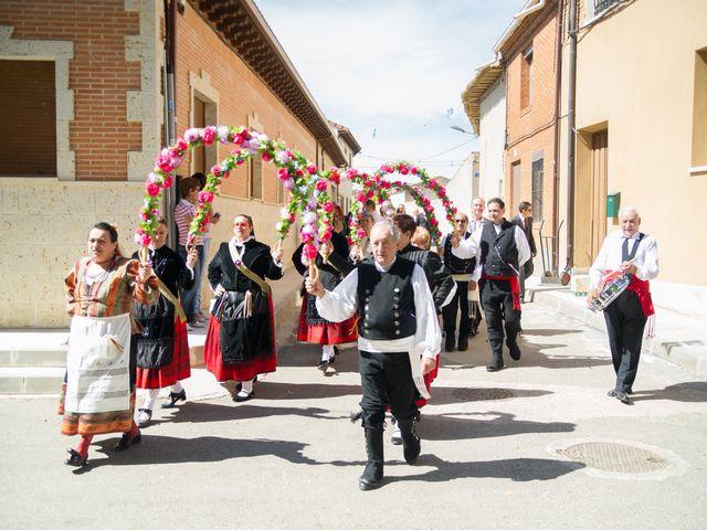 La boda de Abilio y María en Autillo De Campos, Palencia 28