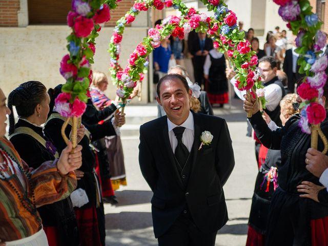La boda de Abilio y María en Autillo De Campos, Palencia 29