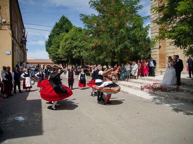 La boda de Abilio y María en Autillo De Campos, Palencia 47