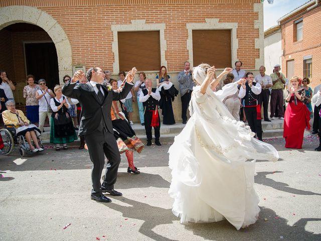 La boda de Abilio y María en Autillo De Campos, Palencia 48