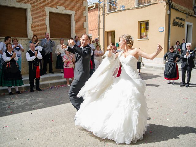 La boda de Abilio y María en Autillo De Campos, Palencia 50