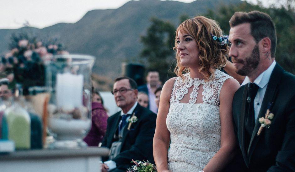 La boda de Pedro y Isabel en La Isleta, Almería