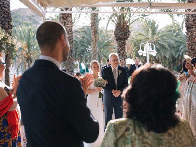 La boda de Miguel y Sine en La/villajoyosa Vila Joiosa, Alicante 24