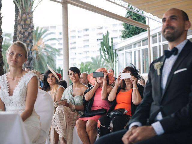 La boda de Miguel y Sine en La/villajoyosa Vila Joiosa, Alicante 32