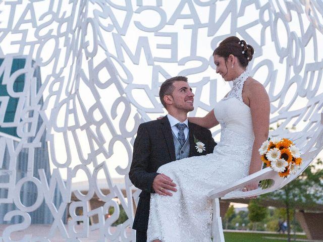 La boda de Julio y Lorena en Zaragoza, Zaragoza 10