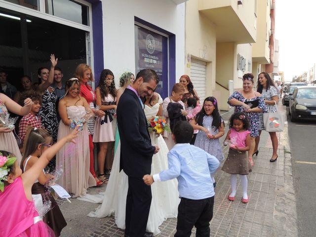 La boda de Ayose y Katerine en Corralejo, Las Palmas 38