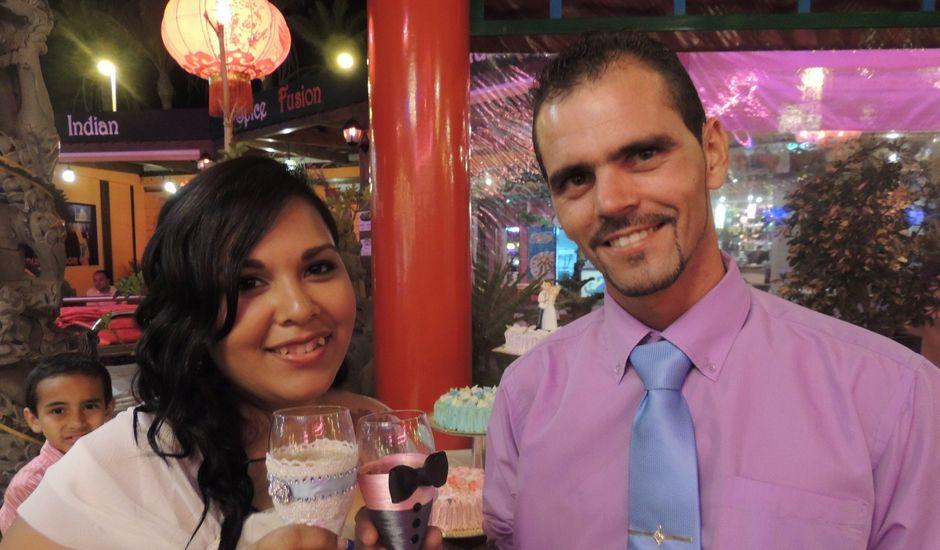 La boda de Ayose y Katerine en Corralejo, Las Palmas