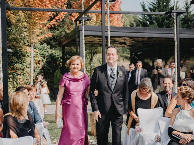 La boda de Carles y Melissa en La Vall De Bianya, Girona 14