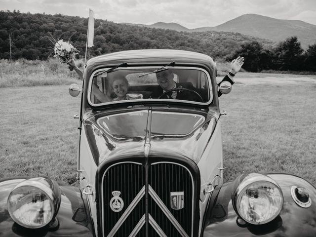La boda de Carles y Melissa en La Vall De Bianya, Girona 30