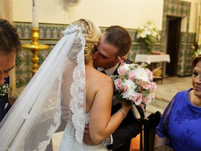 La boda de Fernando  y Esmeralda  en Los Santos De Maimona, Badajoz 13