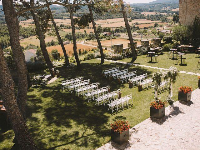 La boda de Héctor y Neus en Sant Marti De Tous, Barcelona 2