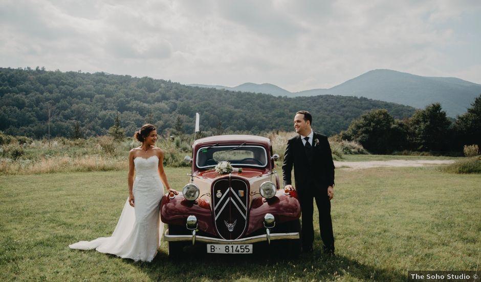 La boda de Carles y Melissa en La Vall De Bianya, Girona