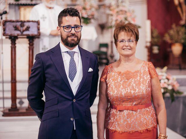 La boda de Jose y Auxi en Pedrera, Sevilla 34