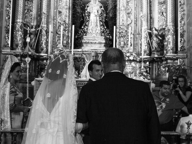 La boda de Jonathan y Victoria en Tomares, Sevilla 11